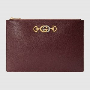 https://www.gucci.com/uk/en_gb/pr/women/womens-accessories/womens-wallets-small-accessories/womens-pouches/gucci-zumi-grainy-leather-pouch-p-5707281B90X6629?position=12&listName=ProductGrid&categoryPath=Women/Womens-Accessories/Womens-Wallets-Small-Accessories