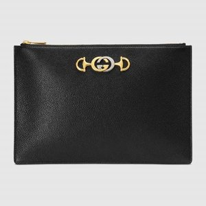 https://www.gucci.com/uk/en_gb/pr/women/womens-accessories/womens-wallets-small-accessories/womens-pouches/gucci-zumi-grainy-leather-pouch-p-5707281B90X1000?position=11&listName=ProductGrid&categoryPath=Women/Womens-Accessories/Womens-Wallets-Small-Accessories
